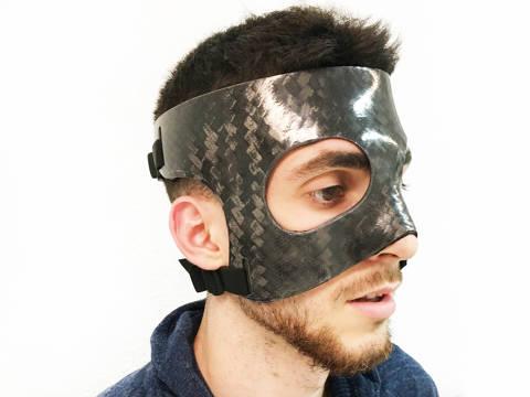 Fabricació de proteccions facials a mida
